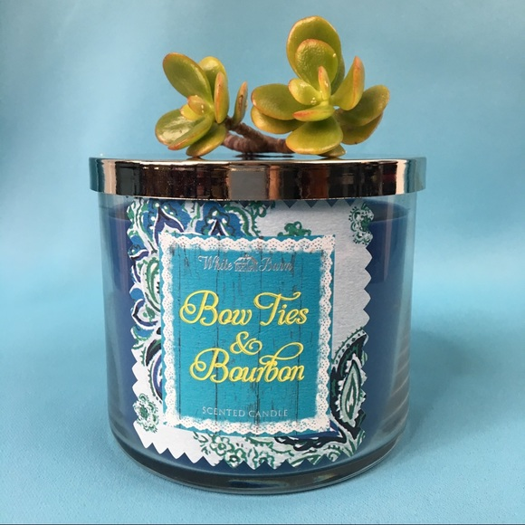 """BATH & BODY WORKS """" Bow Ties & Bourbon"""" Candle."""